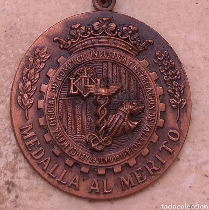 Medallas condecorativas: Medalla Al Merito de la Camara de Comercio Industria y Navegación de Valencia - Foto 6 - 29774294