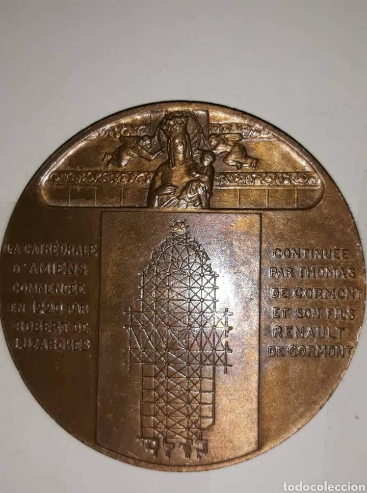 Medallas condecorativas: medalla en bronce de la catedral D'amiens L.desvignes - Foto 2 - 160640684