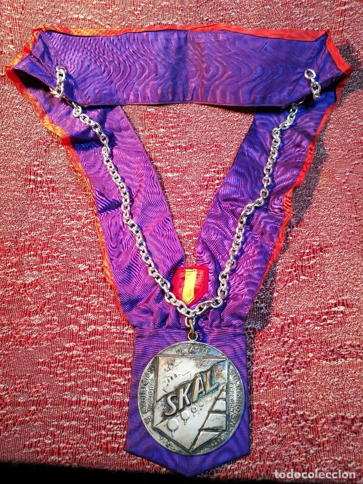 Medallas condecorativas: GRAN MEDALLON III EXHIBICION NACIONAL DE ARTE CULINARIO TARRAGONA 1969 SKAL -CHEF-COCINA---ESPAÑA - Foto 2 - 160658946
