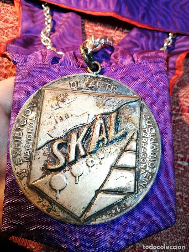 Medallas condecorativas: GRAN MEDALLON III EXHIBICION NACIONAL DE ARTE CULINARIO TARRAGONA 1969 SKAL -CHEF-COCINA---ESPAÑA - Foto 4 - 160658946