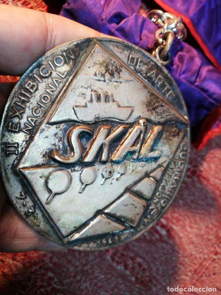 Medallas condecorativas: GRAN MEDALLON III EXHIBICION NACIONAL DE ARTE CULINARIO TARRAGONA 1969 SKAL -CHEF-COCINA---ESPAÑA - Foto 16 - 160658946