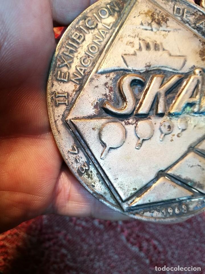 Medallas condecorativas: GRAN MEDALLON III EXHIBICION NACIONAL DE ARTE CULINARIO TARRAGONA 1969 SKAL -CHEF-COCINA---ESPAÑA - Foto 15 - 160658946
