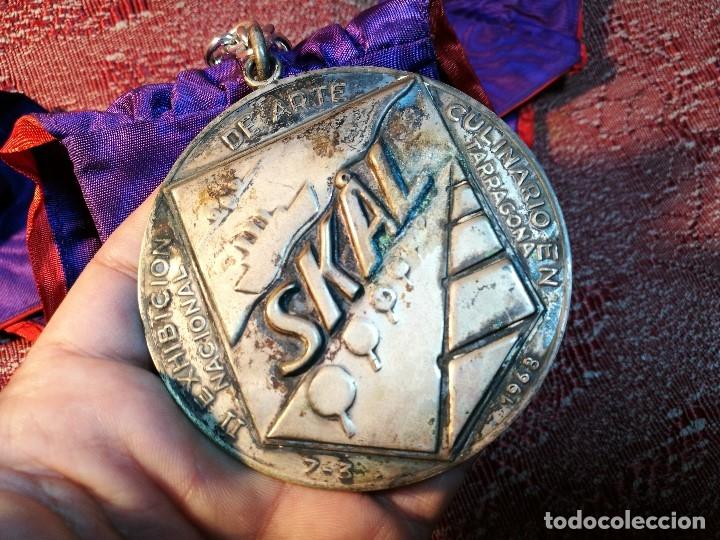 Medallas condecorativas: GRAN MEDALLON III EXHIBICION NACIONAL DE ARTE CULINARIO TARRAGONA 1969 SKAL -CHEF-COCINA---ESPAÑA - Foto 18 - 160658946