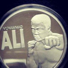 Medallas condecorativas: MONEDA O MEDALLA DE MUHAMMED ALI CON BAÑO DE ORO 24 KILATES.. Lote 163526273