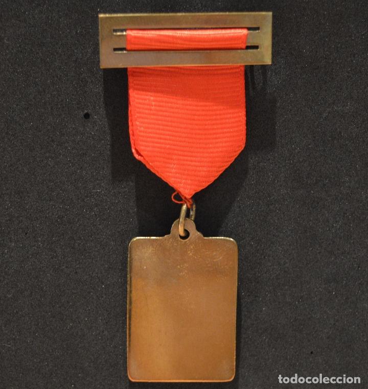 Medallas condecorativas: ANTIGUA MEDALLA AL MERITO ESCOLAR COLEGIO NELLY BARCELONA - Foto 3 - 167391632