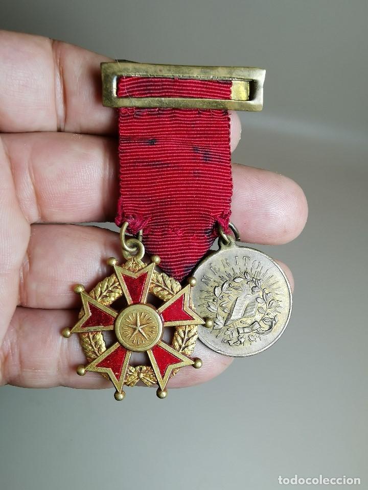 Medallas condecorativas: PAREJA MEDALLAS MERITO ESCOLAR, COLEGIO- ESPAÑA - Foto 6 - 174984759