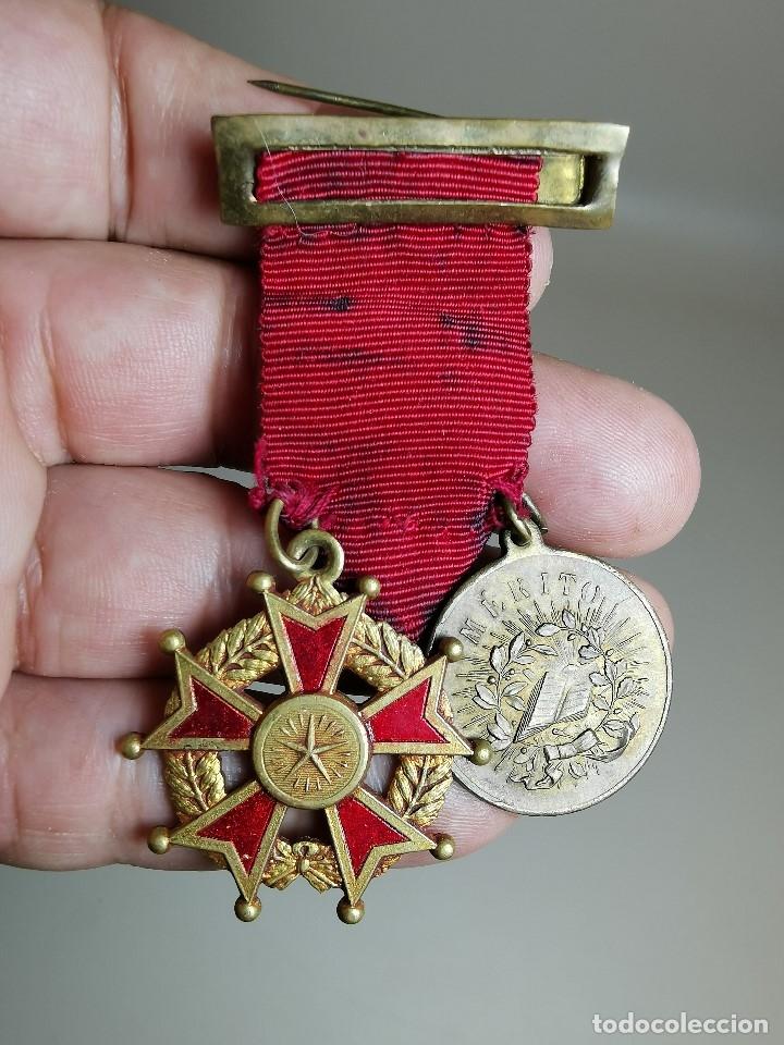 Medallas condecorativas: PAREJA MEDALLAS MERITO ESCOLAR, COLEGIO- ESPAÑA - Foto 7 - 174984759