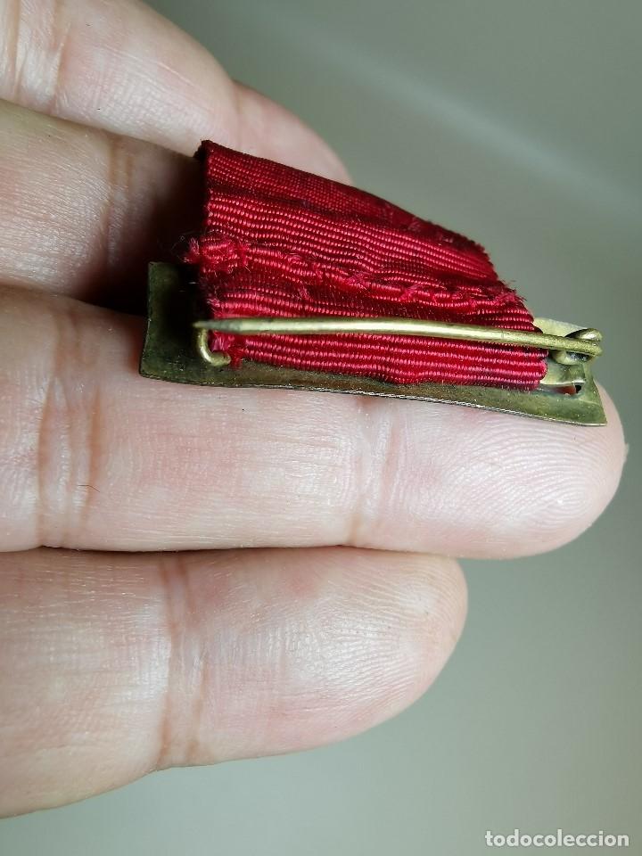 Medallas condecorativas: PAREJA MEDALLAS MERITO ESCOLAR, COLEGIO- ESPAÑA - Foto 10 - 174984759
