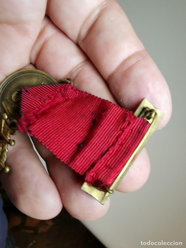 Medallas condecorativas: PAREJA MEDALLAS MERITO ESCOLAR, COLEGIO- ESPAÑA - Foto 11 - 174984759