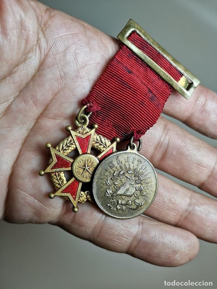 Medallas condecorativas: PAREJA MEDALLAS MERITO ESCOLAR, COLEGIO- ESPAÑA - Foto 14 - 174984759