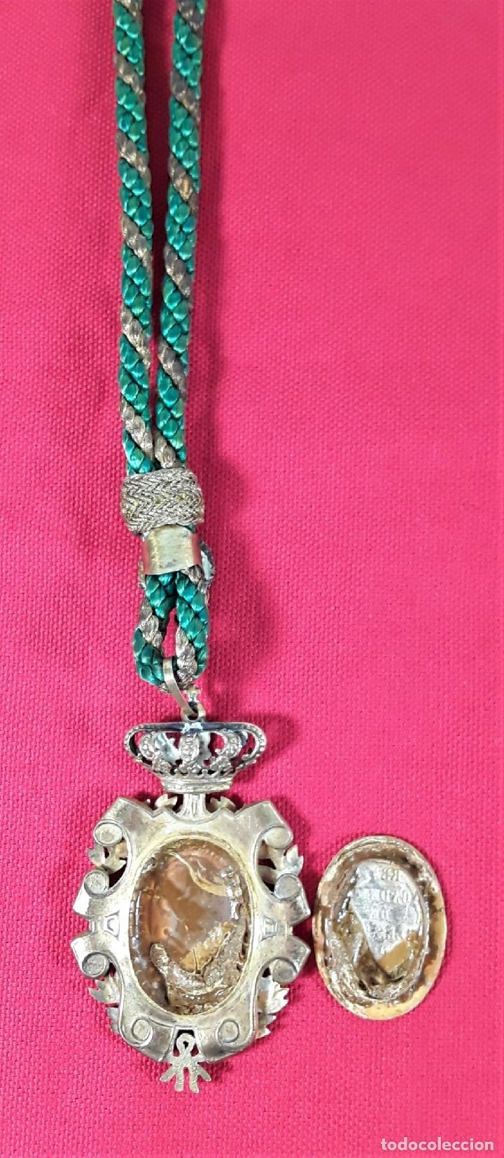 Medallas condecorativas: CONDECORACIÓN EN PLATA. REAL ACADEMIA DE NOBLES ARTES DE SN. FERNANDO. - Foto 4 - 178759653
