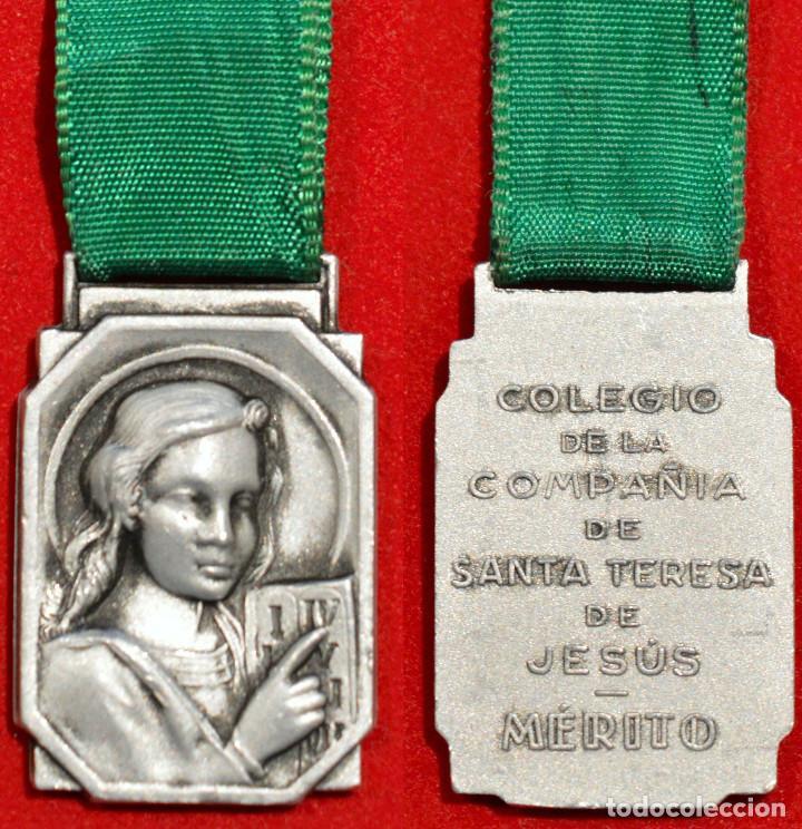 MEDALLA AL MERITO COLEGIO DE LA COMPAÑIA DE SANTA TERESA DE JESUS BARCELONA 1950 (Numismática - Medallería - Condecoraciones)