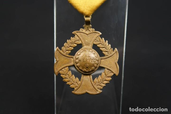 Medallas condecorativas: Antigua Medalla Al Merito - Foto 3 - 190987050