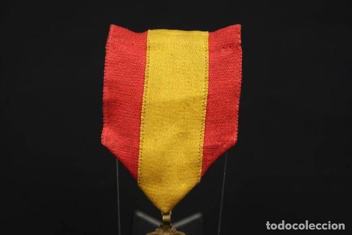 Medallas condecorativas: Antigua Medalla Al Merito - Foto 5 - 190987050