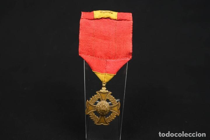 Medallas condecorativas: Antigua Medalla Al Merito - Foto 7 - 190987050