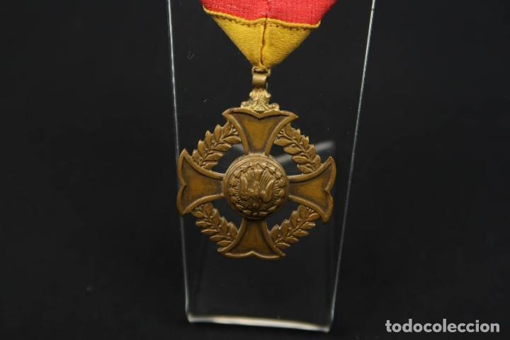 Medallas condecorativas: Antigua Medalla Al Merito - Foto 9 - 190987050