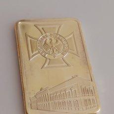 Medallas condecorativas: BONITO LINGOTE DE ORO ALEMÁN. Lote 195506881