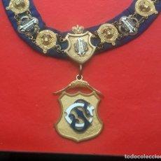 Medallas condecorativas: MASONERÍA INGLESA. COLLAR EN METAL DORADO Y ESMALTE. Lote 198651233