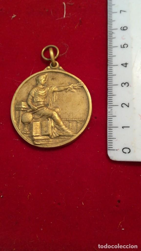 ANTIGUA MEDALLA (¿?) (Numismática - Medallería - Condecoraciones)