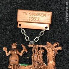 Medallas condecorativas: MEDALLA VINTAGE TV SPIESEN 1973 - ALEMANIA. Lote 204207601
