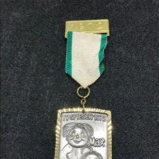 Medallas condecorativas: MEDALLA VINTAGE TV SPIENSEN MAX UND MORITZ 1972 - ALEMANIA. Lote 204223253
