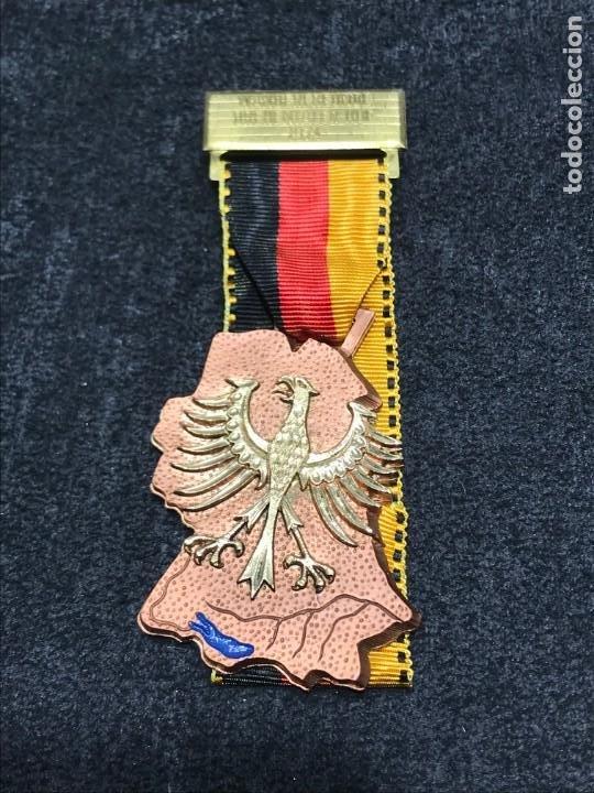 MEDALLA VINTAGE HERMANDAD DREHENTALER 1974 - ALEMANIA (Numismática - Medallería - Condecoraciones)