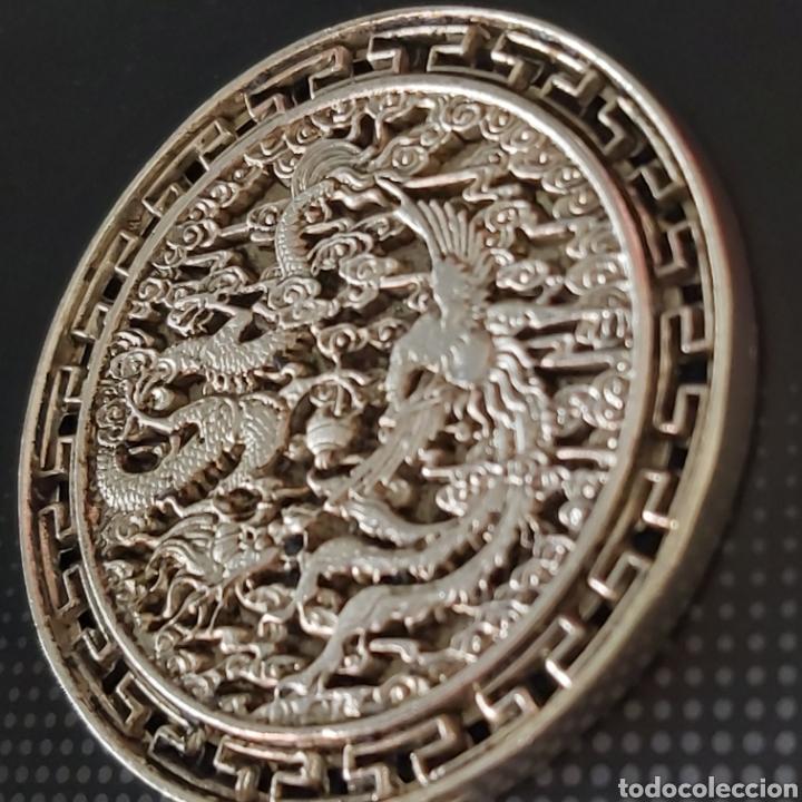 Medallas condecorativas: EXCLUSIVA MONEDA GIGANTEEEE DE PLATA CON DRAGON Y AVE FENIX - DIAMETRO APROX 6 CMS - Foto 5 - 204426931