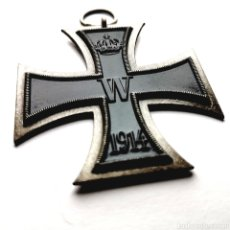Medallas condecorativas: ALEMANIA. REPRODUCCIÓN CRUZ DE HIERRO AL MÉRITO MILITAR 1914. PRIMERA GUERRA MUNDIAL. 37,7G / 58MM. Lote 205014692