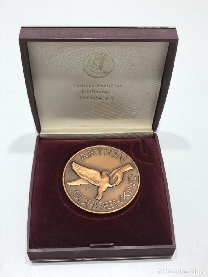 MEDALLA CAMPEONATO DE VUELO DE PALOMAS (4) (Numismática - Medallería - Condecoraciones)