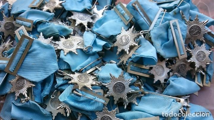 Medallas condecorativas: liquidación, caja con medallas antiguas, lote - Foto 3 - 205511835