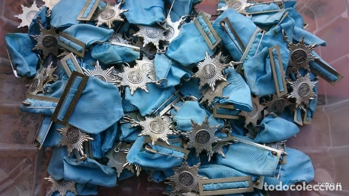 Medallas condecorativas: liquidación, caja con medallas antiguas, lote - Foto 4 - 205511835