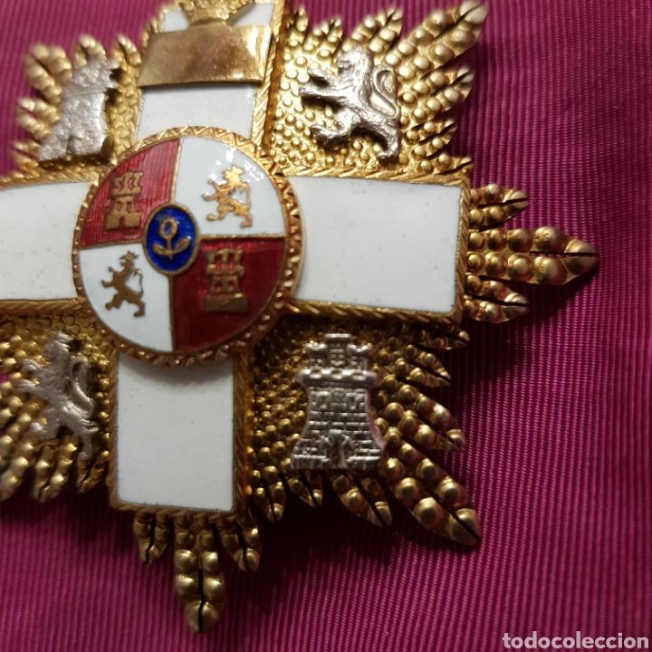 Medallas condecorativas: Gran Cruz de 1ª Clase Orden del Mérito Militar con distintivo blanco 6 cm - Foto 2 - 211585624