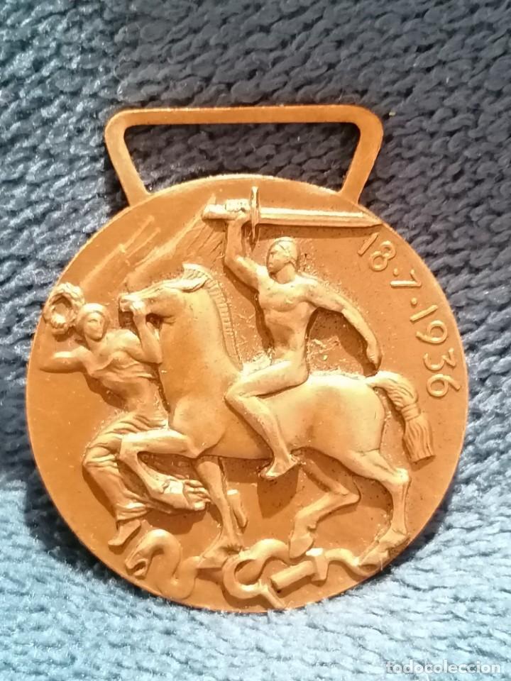 Medallas condecorativas: Medalla voluntarios de guerra por la liberación y unidad de España. Cuerpo Expedicionario. 1936 - Foto 2 - 220664153