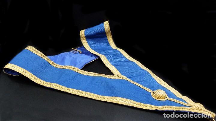 Medallas condecorativas: ANTIGUO GRAN COLLAR CEREMONIAL MASONICO / MAESTRO MASÓN AZUL / ORO SEDA: GEORGE KENNING & SON LONDON - Foto 6 - 223617615