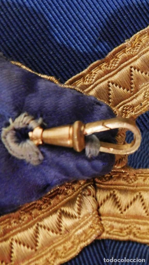 Medallas condecorativas: ANTIGUO GRAN COLLAR CEREMONIAL MASONICO / MAESTRO MASÓN AZUL / ORO SEDA: GEORGE KENNING & SON LONDON - Foto 16 - 223617615