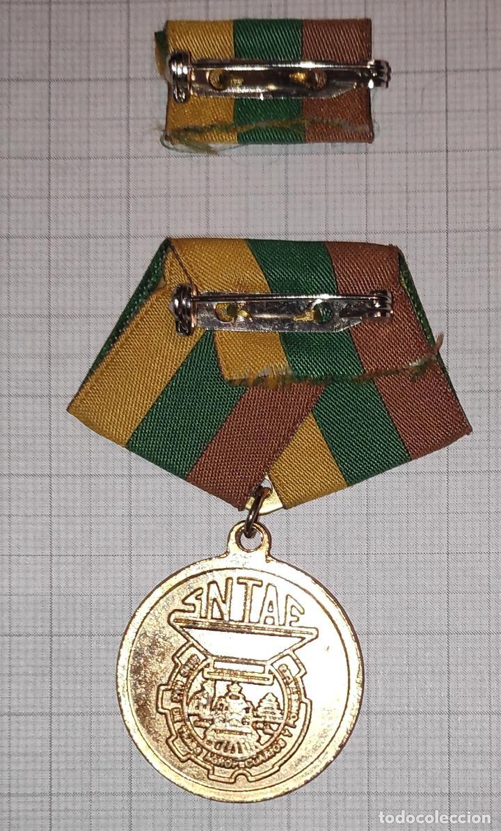 Medallas condecorativas: med30 Cuba Distincion Marcos Marti - Foto 2 - 226326268