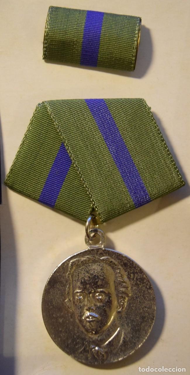 Medallas condecorativas: med90 Cuba Ignacio Agramonte 2 grado - Foto 2 - 226326321