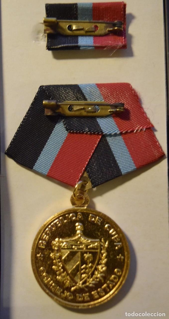 Medallas condecorativas: med73 Cuba Medalla Haydee Santamaria - Foto 2 - 226326330