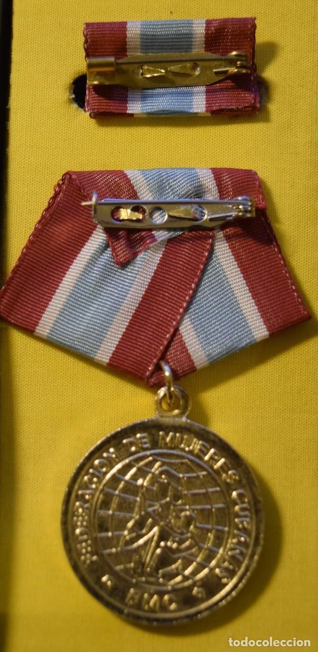 Medallas condecorativas: med72 Cuba Distincion 23 de Agosto - Foto 2 - 226326453
