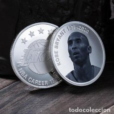 Medallas condecorativas: MONEDA BAÑADA PLATA KOBEL BRYANT LOS ANGELES LAKERS. Lote 237728605