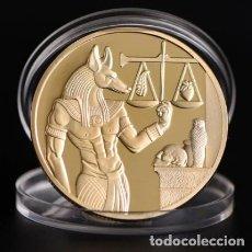 Medallas condecorativas: MONEDA PROTECTOR DE MUERTE EGIPCIO - BAÑADO EN ORO 24KT. Lote 237731040