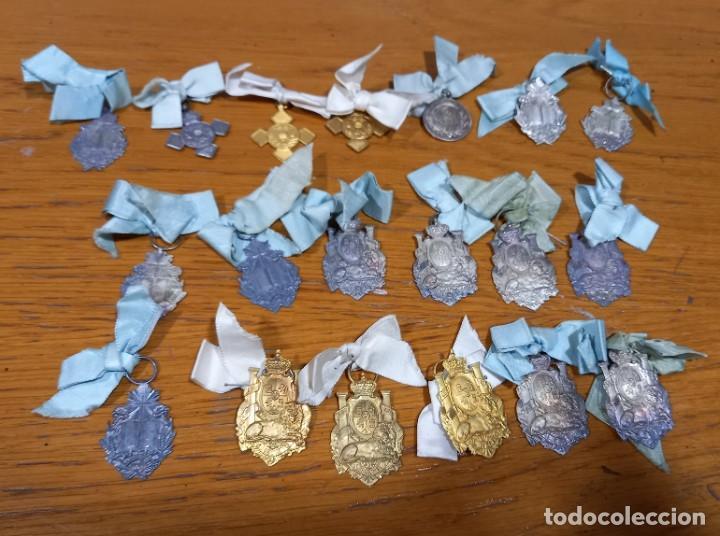 19 MEDALLAS AL MERITO PLATEADAS Y DORADAS SIGLO XIX (Numismática - Medallería - Condecoraciones)