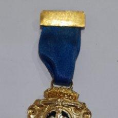 Medallas condecorativas: MEDALLA FLOR DE LIS . VER FOTOS.. Lote 246938445