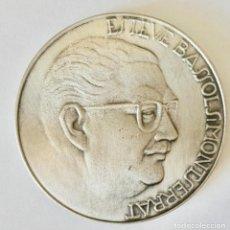 Médailles décorations: MEDALLA CONMEMORATIVA ESTEVE BASSOLS MONTSERRAT-DIAMETRO 6 CM.. Lote 263681355
