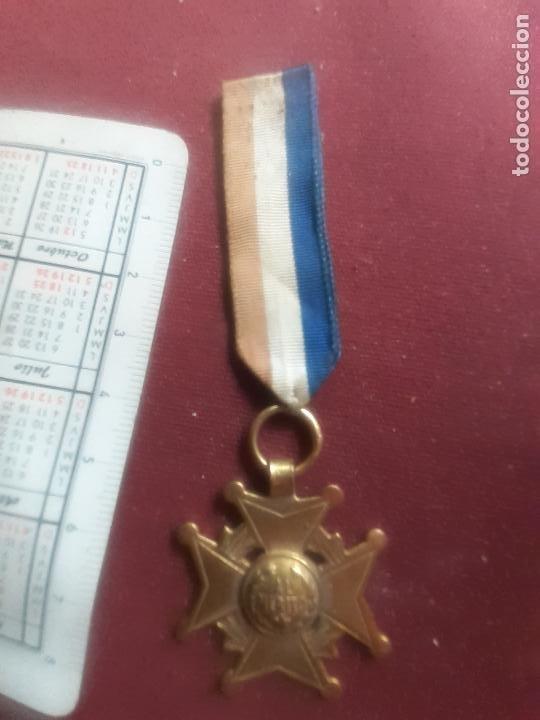 Medallas condecorativas: Al Mérito. Medalla colegial antigua - Foto 2 - 270122523