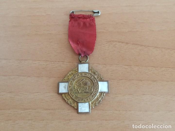 MEDALLA ESCOLAR DE PREMIO A LA APLICACIÓN (Numismática - Medallería - Condecoraciones)