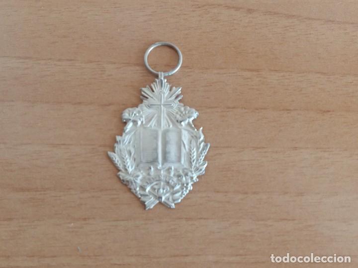 MEDALLA AL MÉRITO, DE PLATA (Numismática - Medallería - Condecoraciones)