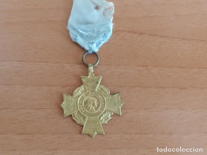 Medallas condecorativas: MEDALLA ESCOLAR DE PREMIO AL MÉRITO - Foto 2 - 273210318