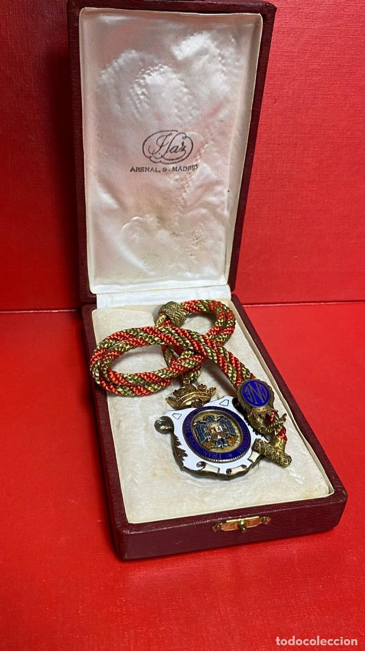Medallas condecorativas: IMPRESIONANTE MEDALLA DE CATEDRATICO ESMALTADA CON CORONA MOVIL. 6 X 5 CM MEDALLA - Foto 10 - 277513323