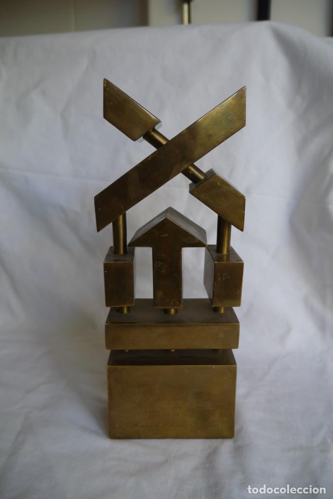 Medallas condecorativas: Premio a la Exportación Loewe 1983 en bronce, Cámara de Comercio e Industria de Madrid - Foto 5 - 278319053